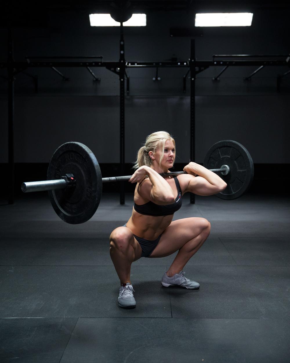 girls crossfit Front squat