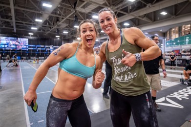 Camille Leblanc-Bazinet and Margaux Alvarez (right), champion of the South