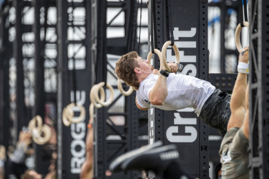 Colten Mertens performing a muscle-up