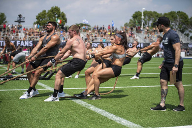 Team athletes pulling the Bob