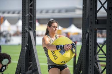 Team athlete in Event 3