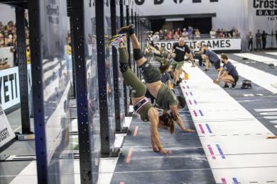 Team athletes doing wall walks