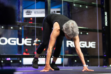 Athlete performing the foundations version of Open Workout 21.1